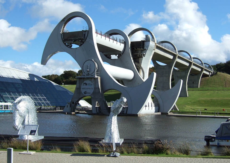 Impressionnant pont à bateau